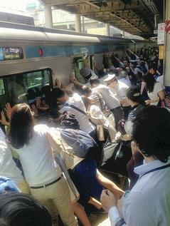 電車救出.jpg